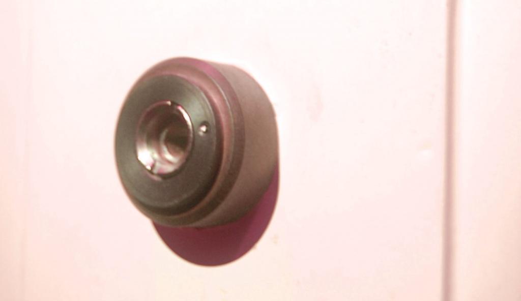 Tuerspione gibt es auch mit Kamera